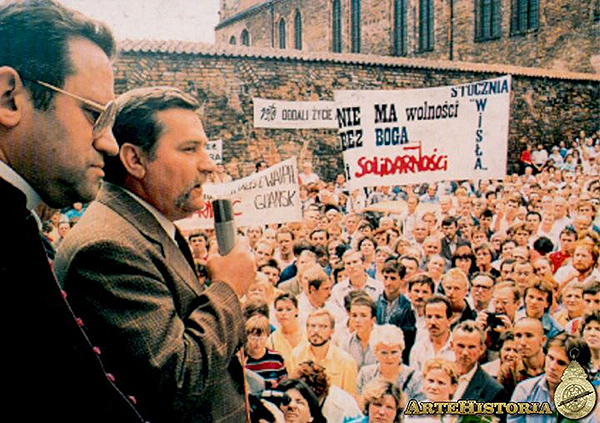 En 1989 Polonia tuvo que legalizar al sindicato libre Solidaridad y convocó elecciones generales