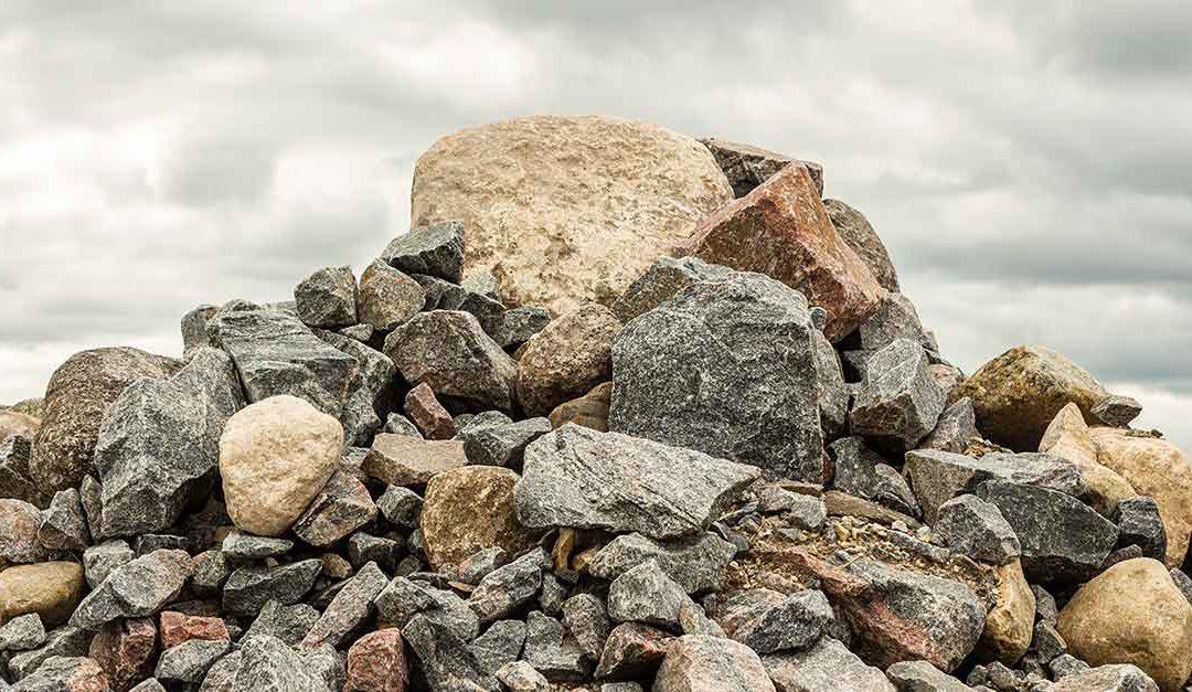 ¿Cómo hacen unas rocas para estar grandes y otras pequeñas? ¿Acaso pueden crecer? Sara, 12 años