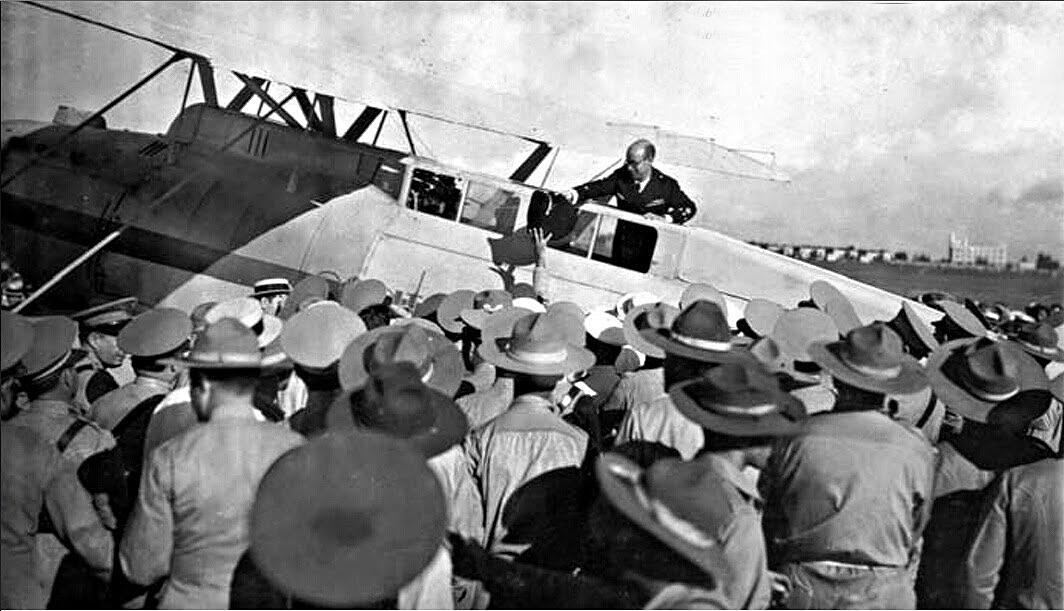 En 1933 os aviadores españois Mariano Barberán e Joaquín Collar aterraron en Camagüey (Cuba), logo de cruzar o Atlántico en 39 horas