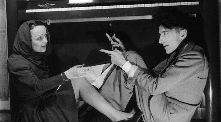 El poeta Jean Cocteau y la cantante Edith Piaf, figuras del París más bohemio, fallecieron en el mismo día de 1963