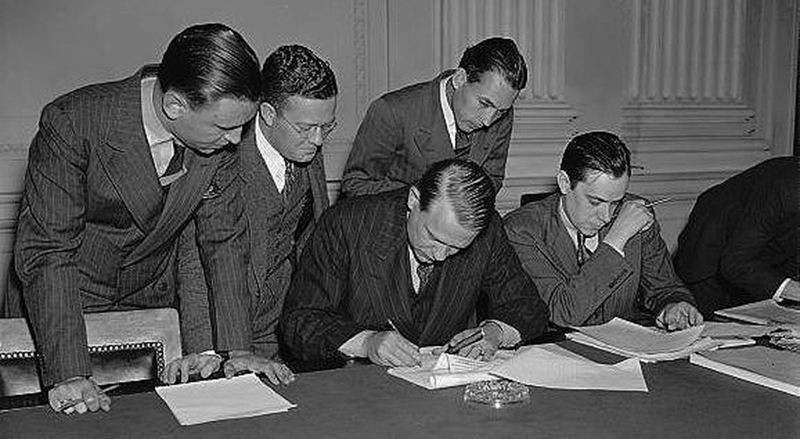 El Senado norteamericano creó un Comité de investigación de actividades antiamericanas en 1949 que acometió infames juicios