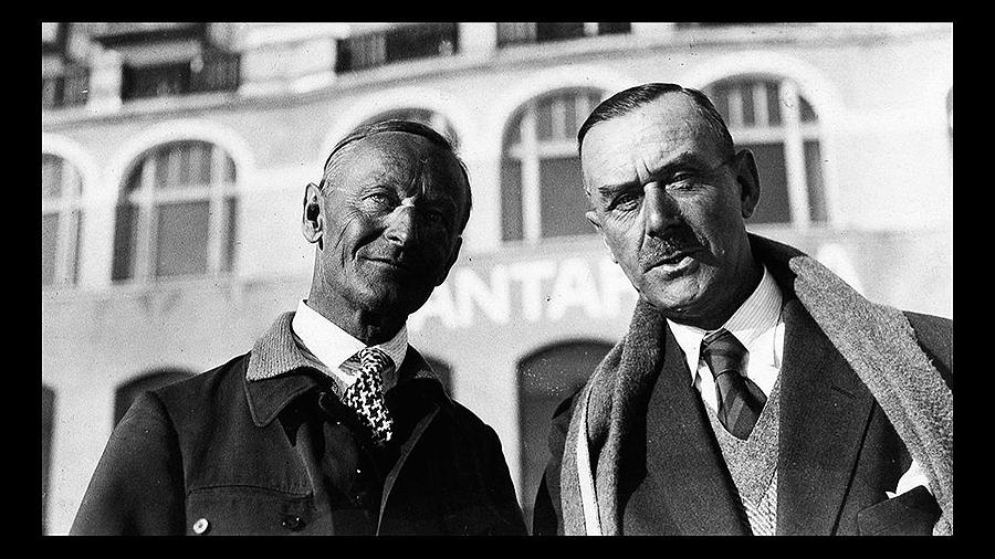 Hermann Hesse e Thomas Mann, unha sólida amizade entre «o ermitán e o home de mundo» A ampla correspondencia entre ambos autores alemáns mostra o seu cedo rexeitamento ao nazismo e é un fiel reflexo daquel convulso tempo, xa desde a época de entreguerras
