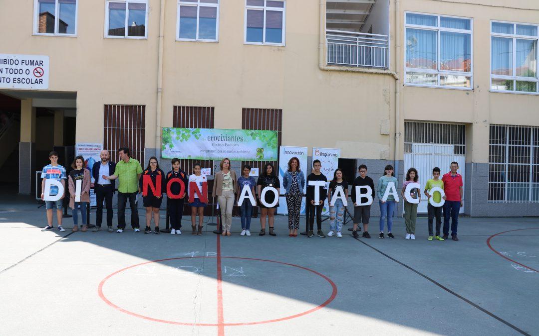 Cazando colillas y limpiando Ourense: 15 años de la ley antitabaco