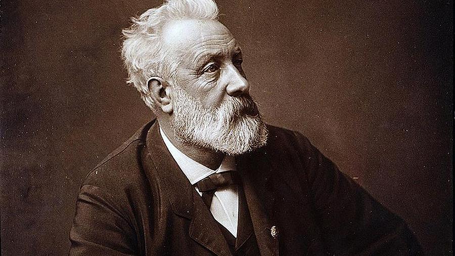 El gran escritor Julio Verne falleció en la ciudad francesa de Amiens en 1905, cuando contaba 77 años