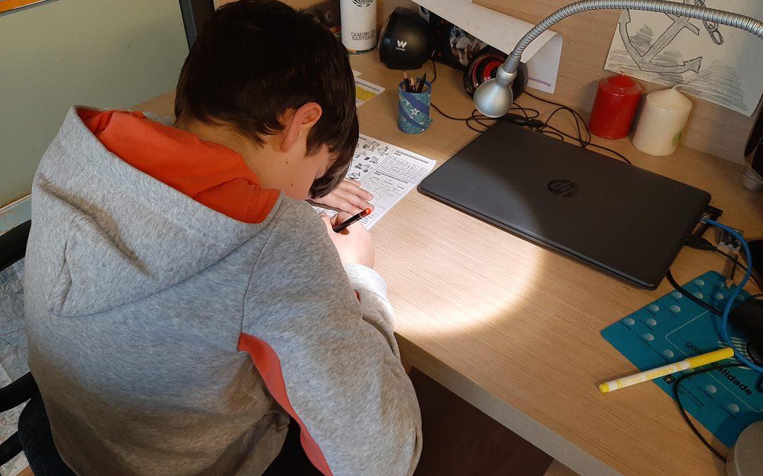 AULAS CASERAS Un centro emergente de enseñanza-aprendizaje