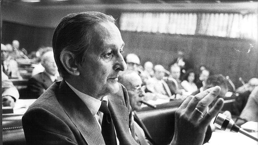 Estando en Londres, Torcuato Fernández Miranda falleció inesperadamente en 1980 a los 64 años