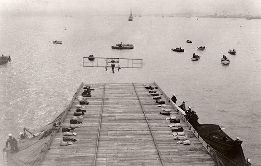"""La aviación dio un paso más en 1911 cuando un aparato pilotado por Eugene B Ely consiguió aterrizar en el crucero """"Pennsylvania"""""""