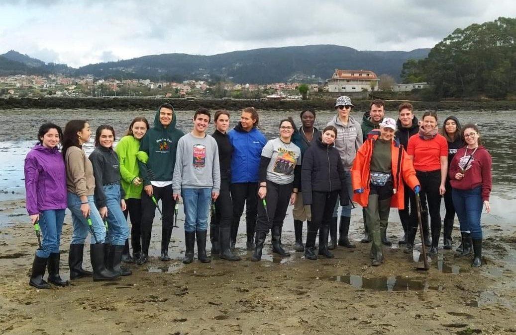 Alargar un proyecto Erasmus por la pandemia Los alumnos del IES do Castro (Vigo) despidieron su proyecto social en Navidad con un encuentro telemático
