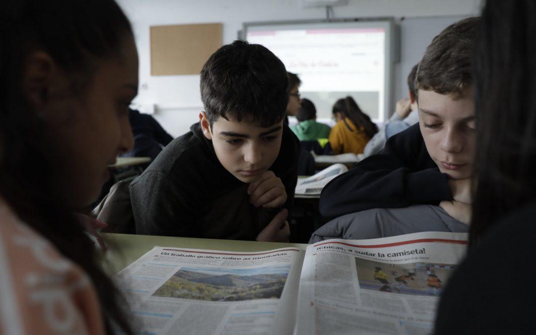 Observación e arquivo do traballo coa noticia na aula usando a cámara Swivl Este sistema, que facilita o intercambio de imaxes, ideas e actividades entre profesores, pódese aproveitar para aplicalo ao xornal no desenvolvemento das áreas de aprendizaxe