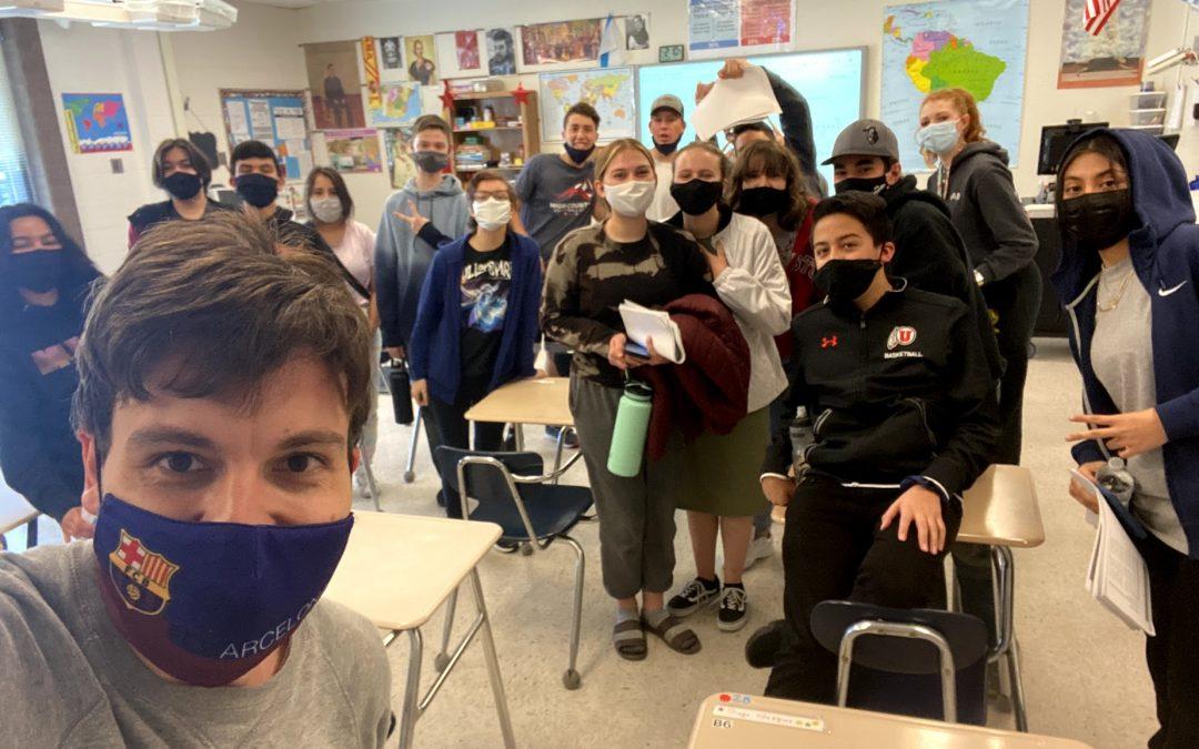 «Es habitual que entren personas a ver la clase» Rubén Núñez es profesor vigués en un instituto de secundaria de Utah (EE UU)